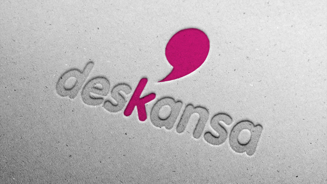 Deskansa - Logotipo relieve papel - EADe