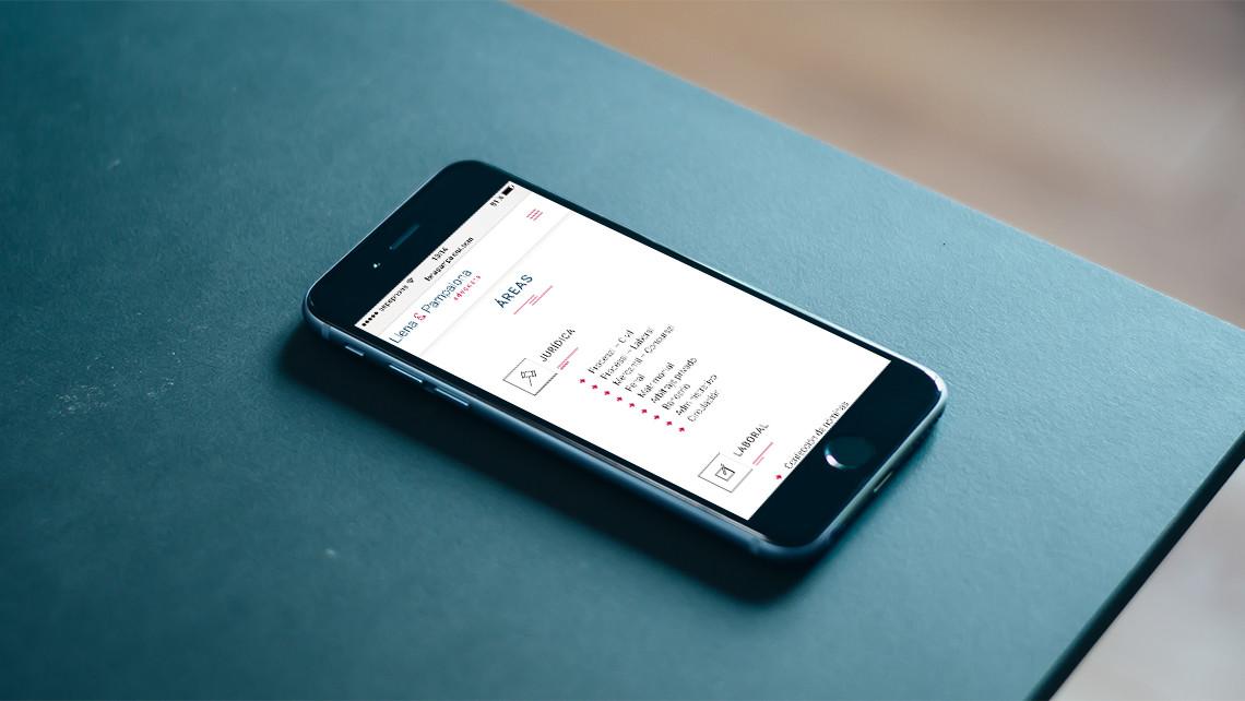 Llena & Pampalona abogados - Web iPhone - EADe