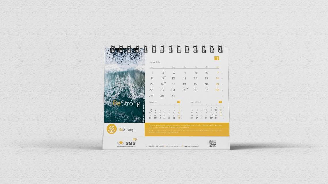 interior_juliol-calendari_sobretaula-sas-2019-eade.jpg